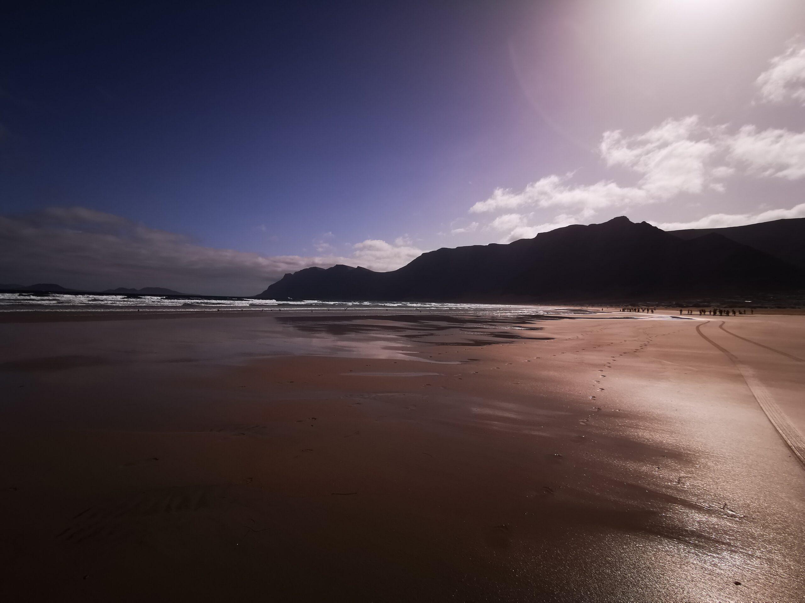 Lanzarote Famara Strand Sonnenaufgang Ozeanien Tours