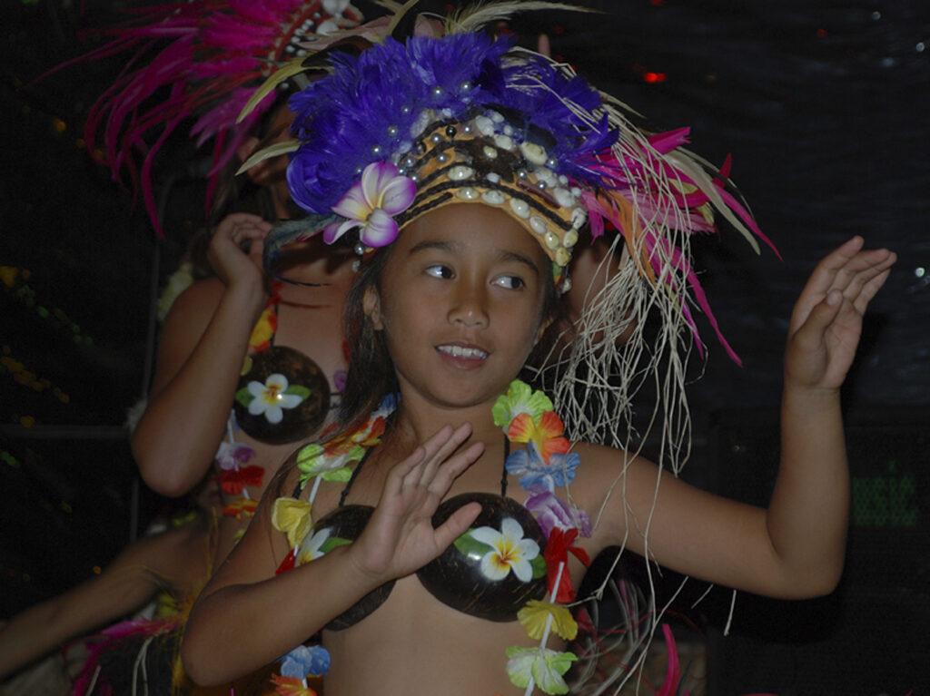 Cook Inseln Rarotonga Tänzerin Ozeanien Tours | Urlaub 2021 | Reisebüro | Urlaub buchen | Ozeanien | Flitterwochen | Reiseplanung